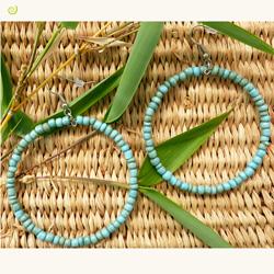 Boucles d'oreilles anneaux style créoles en perles de rocaille turquoise