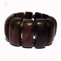 Bracelet en bois naturel et perles en noix de coco