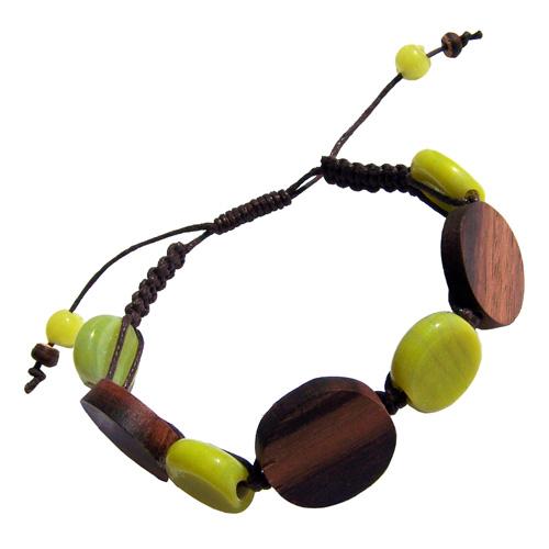 Bracelet sur cordon Perles en bois eten pâte de verre vert anis