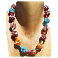 Colliers en perles de rocaille et mélange artisanat en vente dans la boutique en ligne Matajava