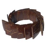 Bracelets en noix de coco artisanat en vente dans la boutique en ligne Matajava créations artisanales