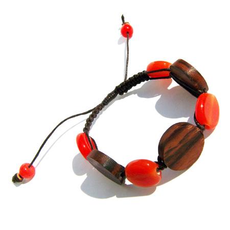 Bracelet original cordon en bois et pâte de verre orange foncé