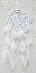 Dreamcatcher entierement Blanc en Macramé Plumes et Perles