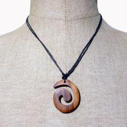 Collier pendentif spirale en boisexotique naturel