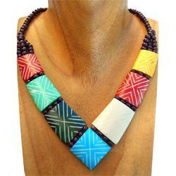 Collier Ethnique Multicolore Plastron en pointe Pièces en Os Artisanat Indonésien