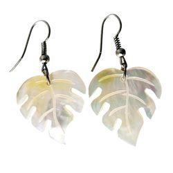 Boucles d'oreilles artisanales en nacre feuilles tropicales
