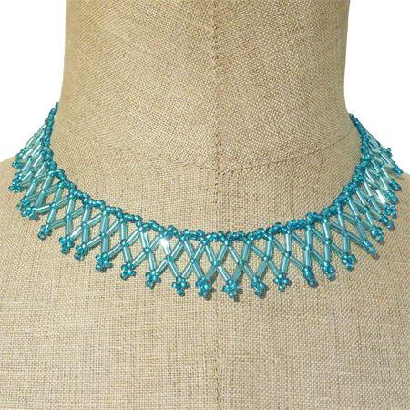 Collier collerette bleu en perles de rocailles artisanal