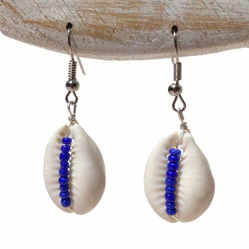 Boucles d'oreilles Cauris avec perles de rocaille bleu roi - Artisanat de Bali