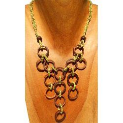 Collier Anneaux en noix de coco et perles de rocaille vert anis