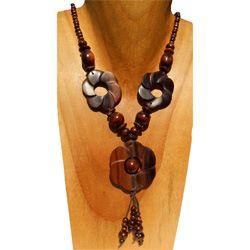 Collier en Bois Perles rondes et fleurs sculptées couleur bois naturel