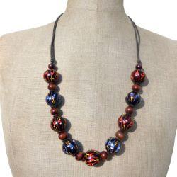 Collier en bois mi-long Perles rondes décor peint