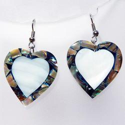 Boucles d'oreilles Coeurs en nacre blanche et nacre abalone
