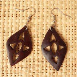 Boucles d'Oreilles en Noix de Coco forme Losanges avec motifs ajourés