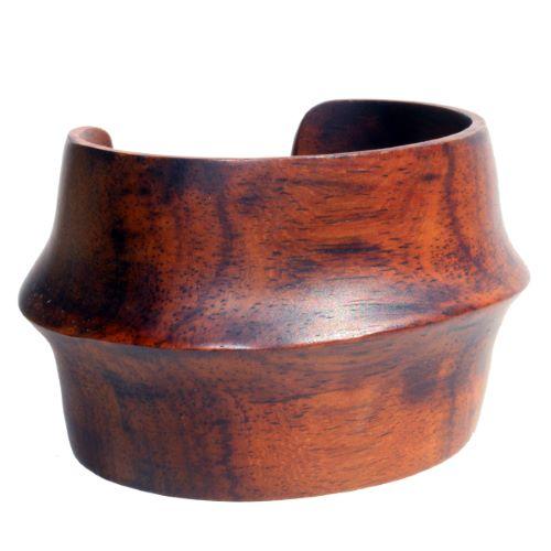 Bracelet Manchette en bois plein sculpté