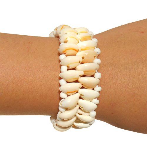 Bracelet en coquillage cauris et perles de rocaille blanches