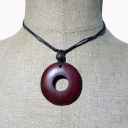 Collier Original cordon Pendentif rond en bois rouge
