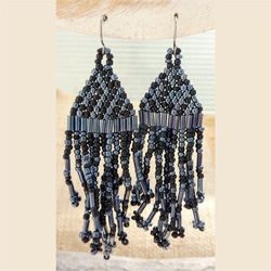 Boucles d'oreilles à franges gris métallisé et noir en Perles de Rocailles