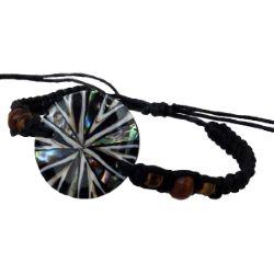 Bracelet médaillon mosaïque de nacre abalone et coquillage