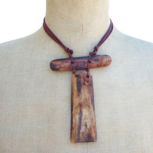 Collier Totem Ethnique original en Os teinté Artisanat Indonésien