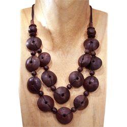 Collier 2 rangs de perles en bois naturel  sur cordon noir