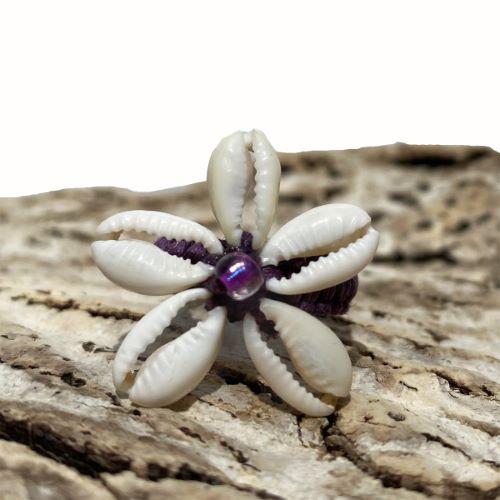 Bague Fleur anneau en macramé avec Cauris taille 50