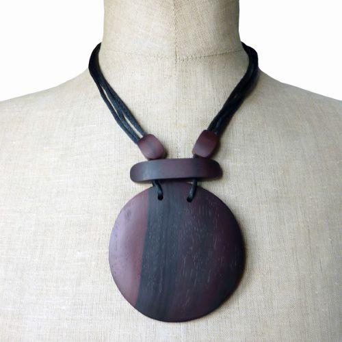 Collier en bois Original gros Pendentif rond en bois teinté