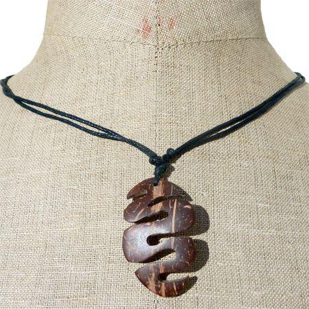 collier serpent maori noix de coco artisanat Bali