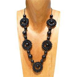 Collier Noir original en perles de bois