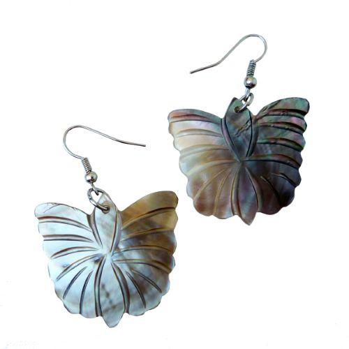 Boucles d'oreilles Papillons en nacre naturelle gravée