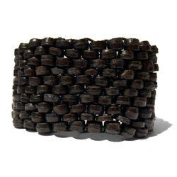 Bracelet manchette Noir tissage de perles en noix de coco