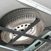 Support de roue de secours pour caravane