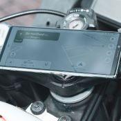 Support de smartphone avec écrou colonne de direction