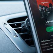 Support de smartphone sur grille d'aération Voiture