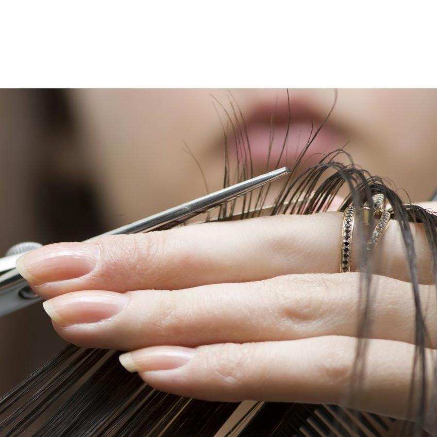 Comment épointer facilement ses cheveux tout seul à la maison en quelques minutes. [Blog]
