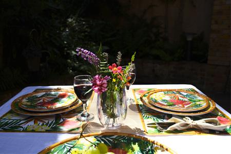 Les avantages d'un service de table en mélamine