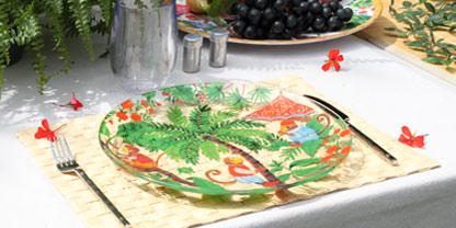 Assiette en verre trempé aux motifs colorés - Singes de Bali - Les Jardins de la Comtesse