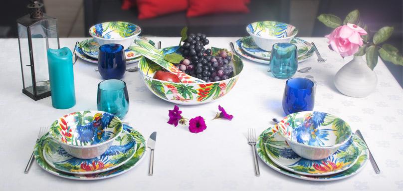 collection de vaisselle incassable aux motifs tropicaux en mélamine