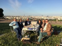 Stylish picnick at Saint Cloud overlooking the Eiffel Tower