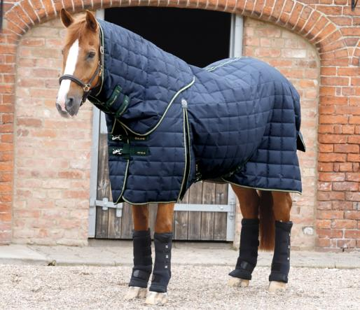 Lucanta 450g Stable Rug with Neck Cover